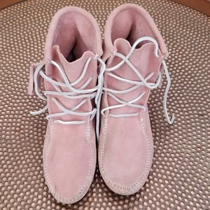Minnetonka Pink Ankle Moccasin Boots with FRINGE